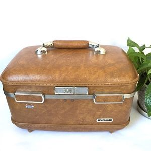 Vintage American Tourister brown Train Case